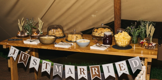 scone table